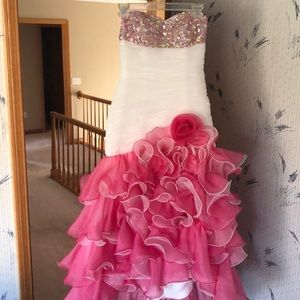 Gorgeous pink prom dress